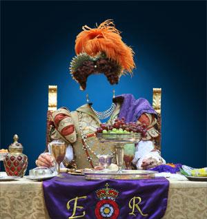Королевы женские костюмы фотошоп